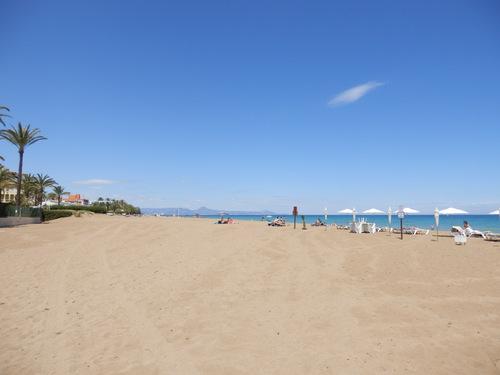 Песчаные пляжи в Дении